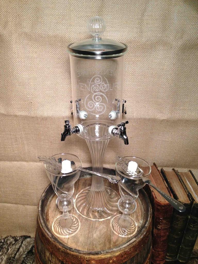 fontaine 4 robinets gravee du logo awen nature