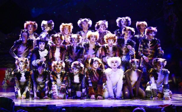 Viennese musical theater company ronacher: Cats In Wien Possierlich Miauende Miezen Kurier At