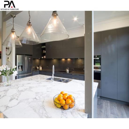 China Italian Popular Design Modular Blue Lacquer Modern Kitchen Pantry Cabinets China Kitchen Cupboard Home Furniture