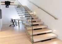 China Modern Stairs Design Glass Railing Wood Steps