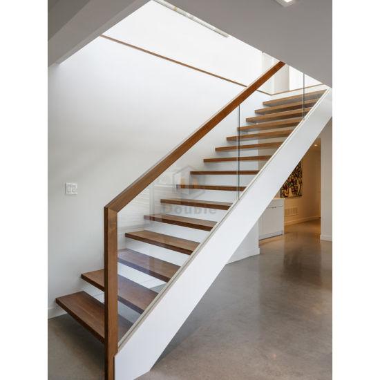 China Modern Wood Handrail Glass Railing Wooden Steps