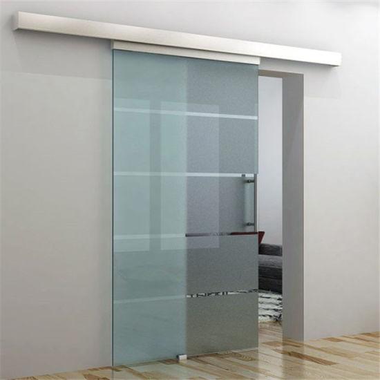 salle de bains en verre coulissante