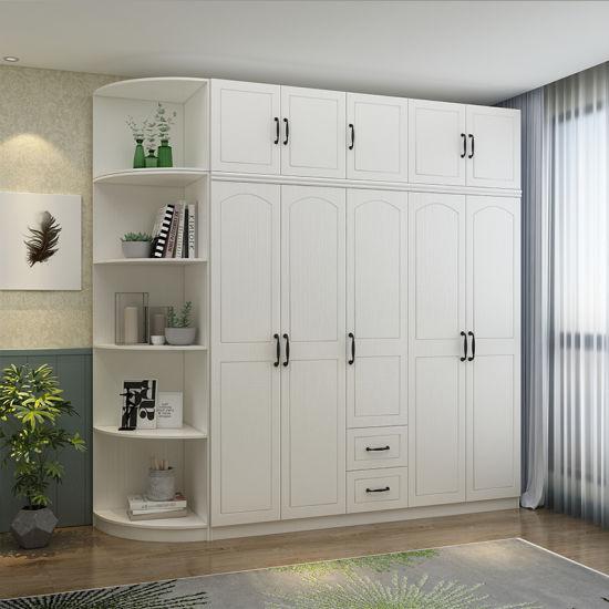ouvrir la porte coulissante armoire