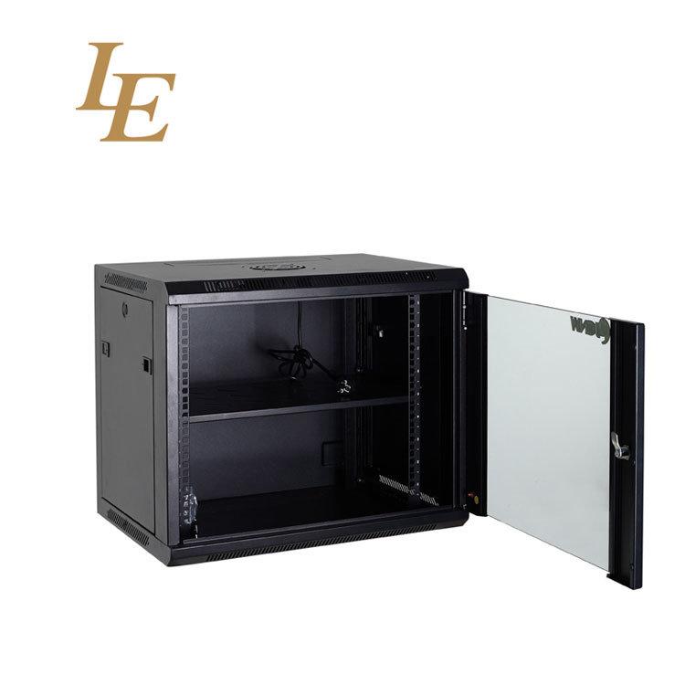19 inch desktop rack mounted server
