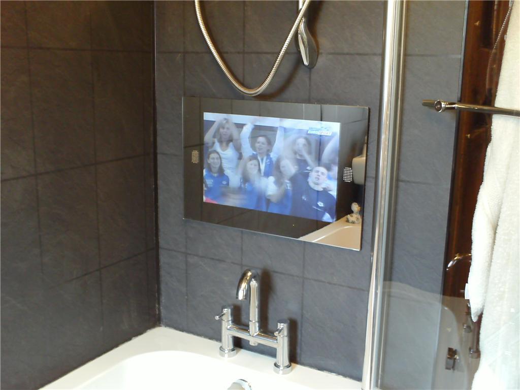 China Bathroom TV  China Hotel Tv Lcd Tv