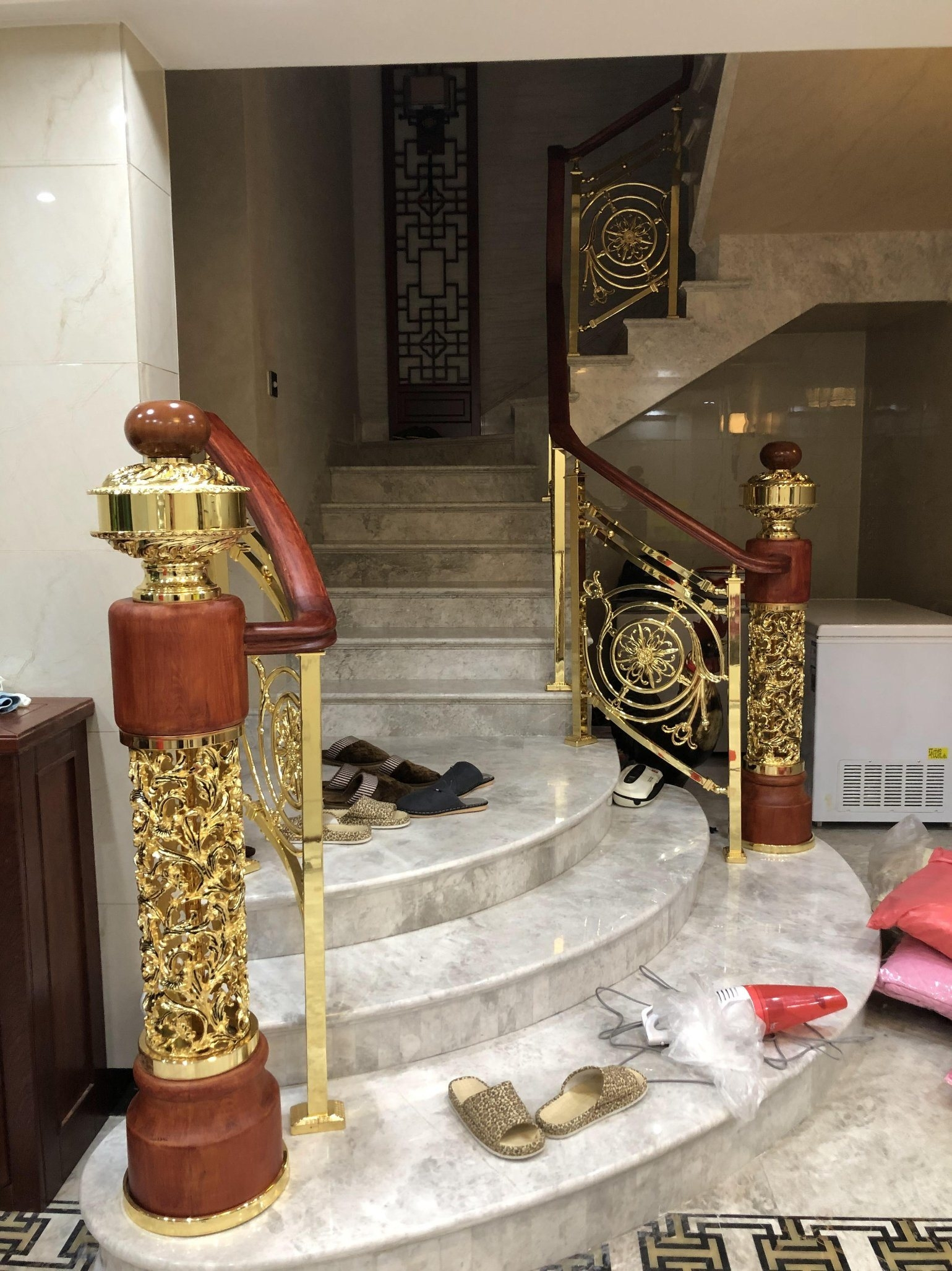 China Zinc Alloy Staircase Handrail Newel Post Columns China   Handrail To Newel Post   Craftsman Style   Indoor Railing   Wood   Gray Stain   White Oak