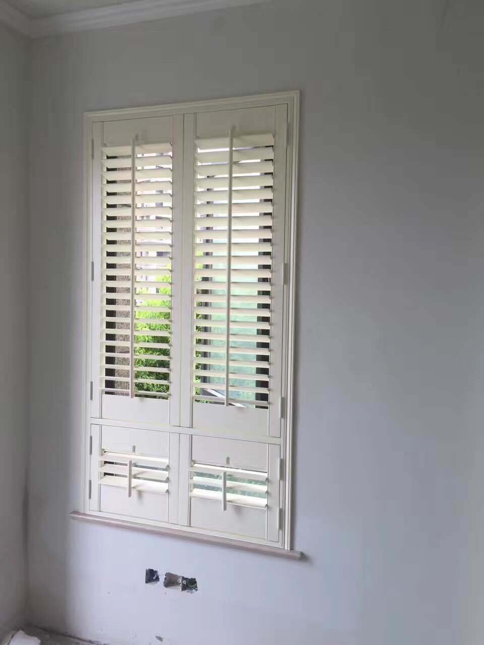 China Small White Decorative Pvc Waterproof Window Shutters