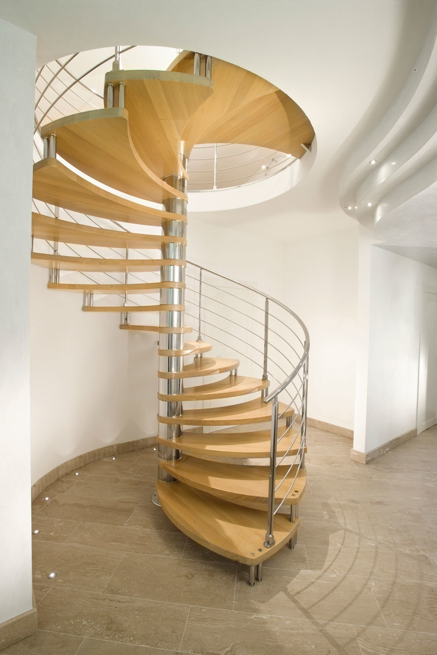 China Modern Solid Wood Step Spiral Staircase Ideas China Spiral | Spiral Staircase Wooden Steps | 2 Floor | Traditional | Enclosed | Kid Friendly | Solid