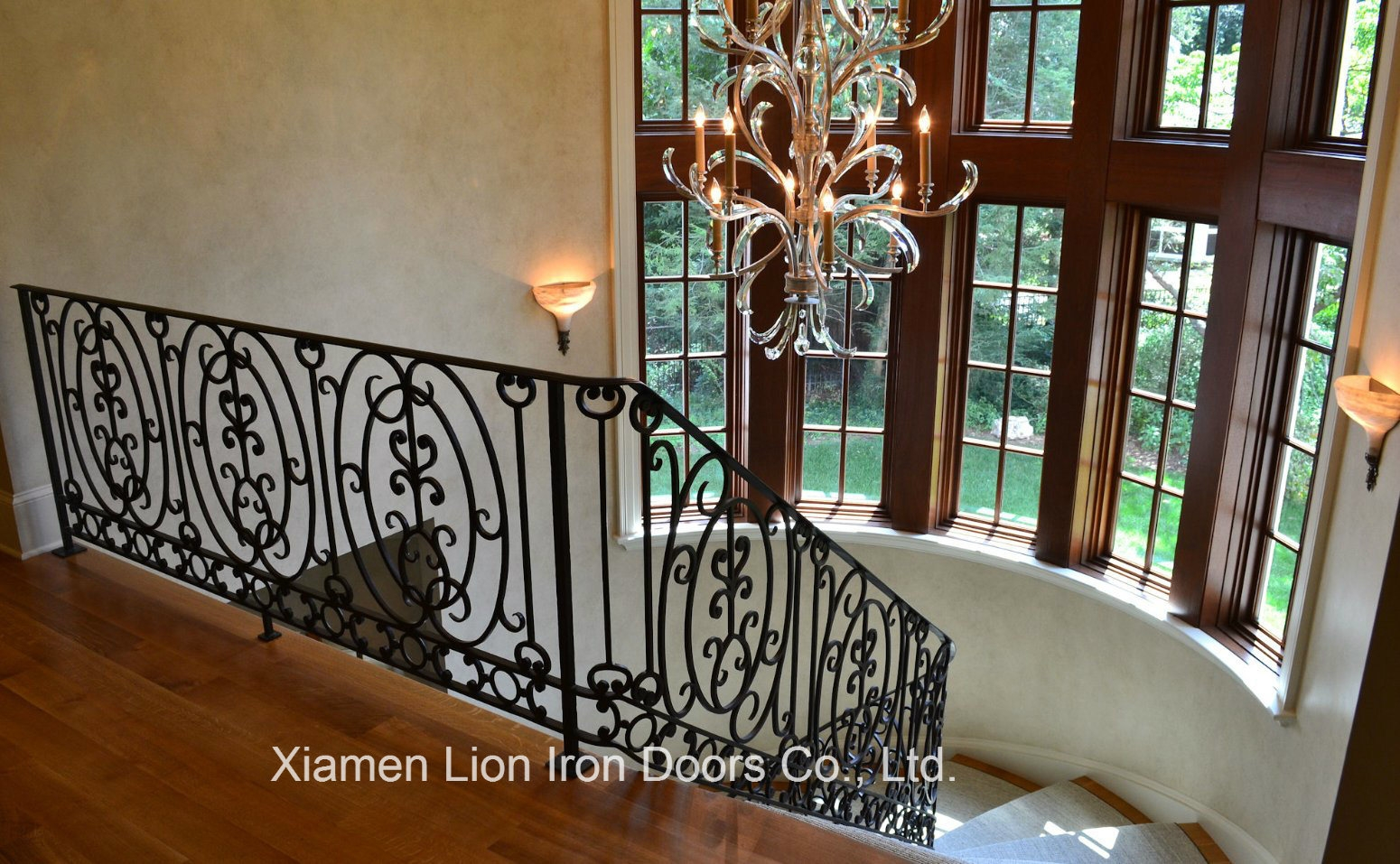 China Home Used Wrought Forged Classic Cast Iron Spiral Staircase | Cast Iron Stair Railing | Residential | Horizontal | Chrome Picket Interior | Custom | Iron Baluster