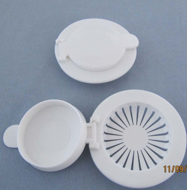 China Plastic Sink Strainer