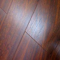 China Embossed Laminated Wood Flooring (5805)