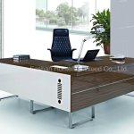 China New Modern Walnut Office Furniture Manager Desk Hf B252 China Manager Desk Manager Office Desk