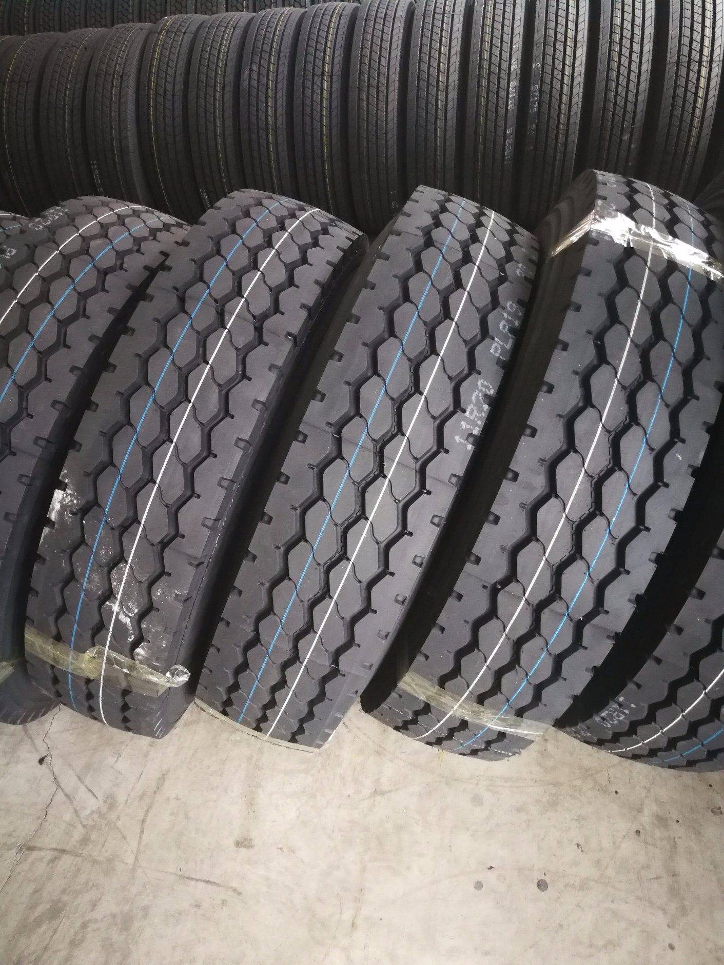 Used 11r22 5 Truck Tires For Sale : 11r22, truck, tires, Truck, 315/80r22.5, 11r22.5radial, Tire,, Company, Looking, Agent, Global, China, Radial, Heavy, Made-in-China.com