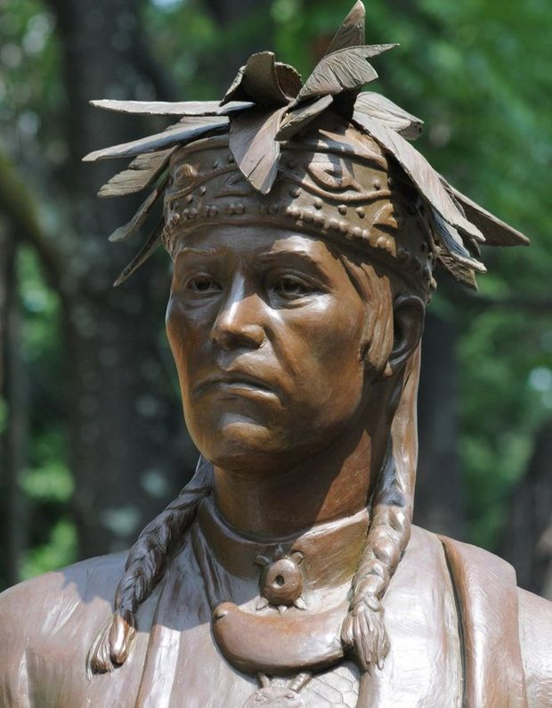 Chief Noonday statue unveiled in Grand Rapids names of