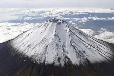 富士山 滑落 バラバラ