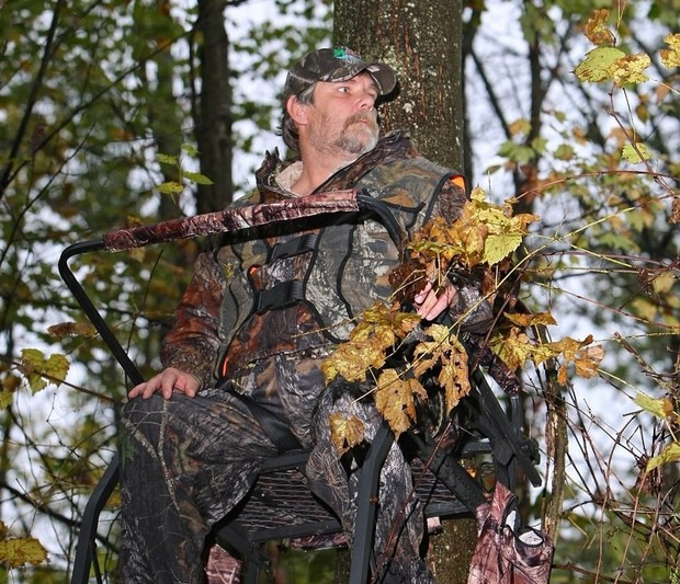 chris-nutter-in-one-of-the-tree-stands-he-uses-for-hunting-dick-blumethe-post-standard-32d36adc9049058f.jpg