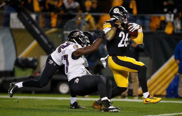 Pittsburgh Steelers Hold Off The Baltimore Ravens In