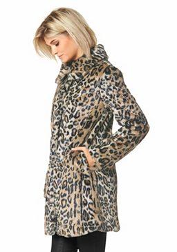 Пальто из искусственного меха