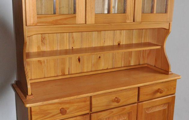 vieux meuble de cuisine en pin