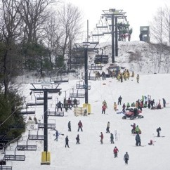 Chair Lift Accident Most Comfortable Bed Ski Resort Replacing System After 5 Injured On Opening Patrol And Emergency Personnel Lower Skiers Snowboarders From A It Malfunctioned
