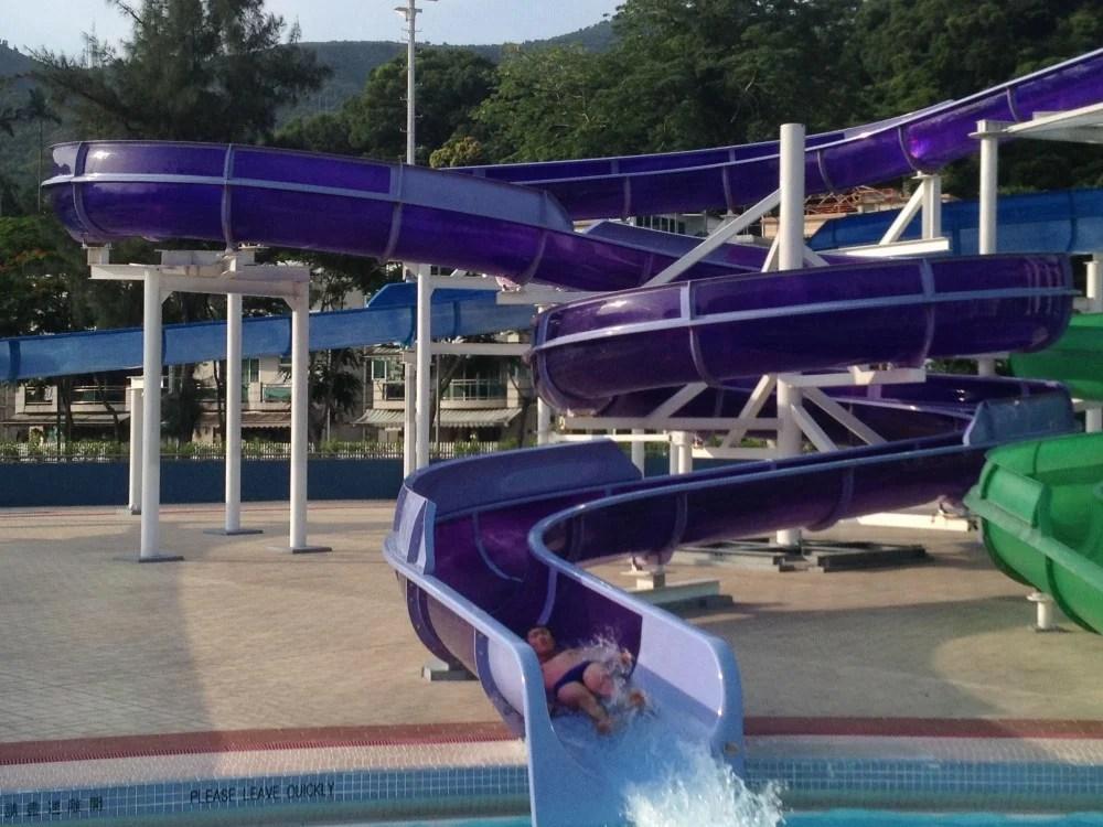夏日炎炎最啱游水!精選八大抵玩公眾泳池!$17嘆海旁靚景/玩滑水梯! | HolidaySmart 假期日常