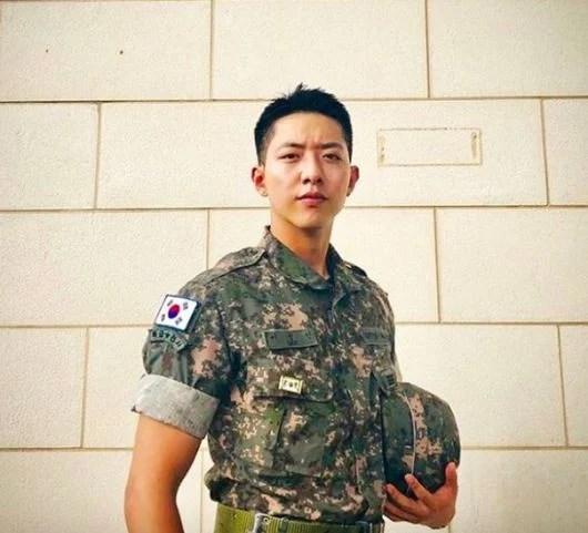 2020年退伍的韓國男星總整理!快來看看有沒有你家歐巴~   Kdaily 韓粉日常