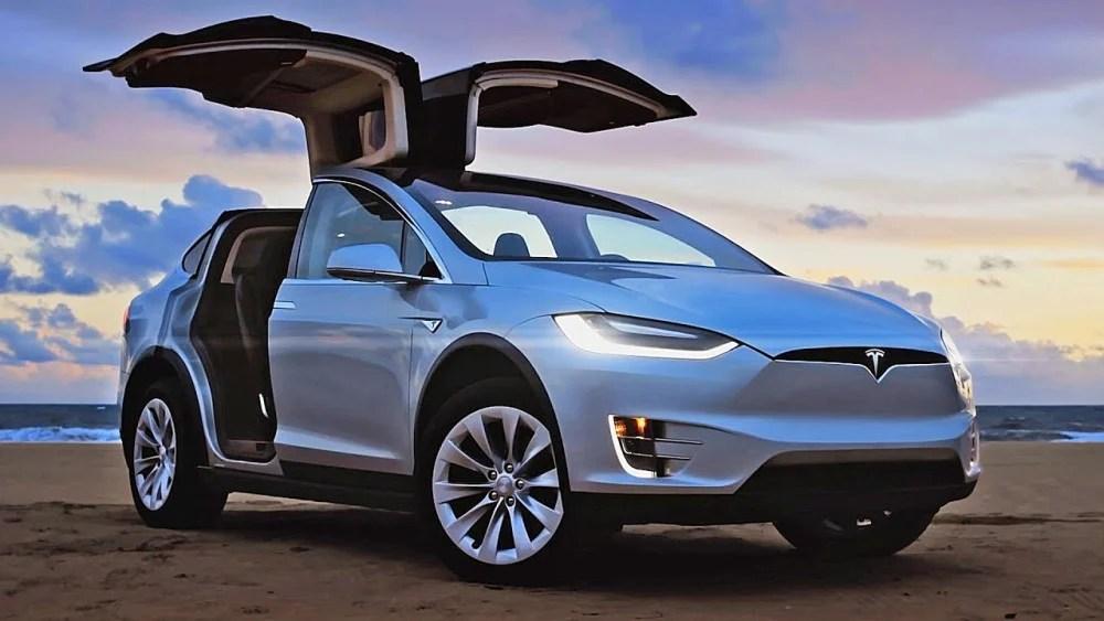 【車界奇葩】Model X長測駕後感:解決充電問題。此車堪稱無敵   MENELECT