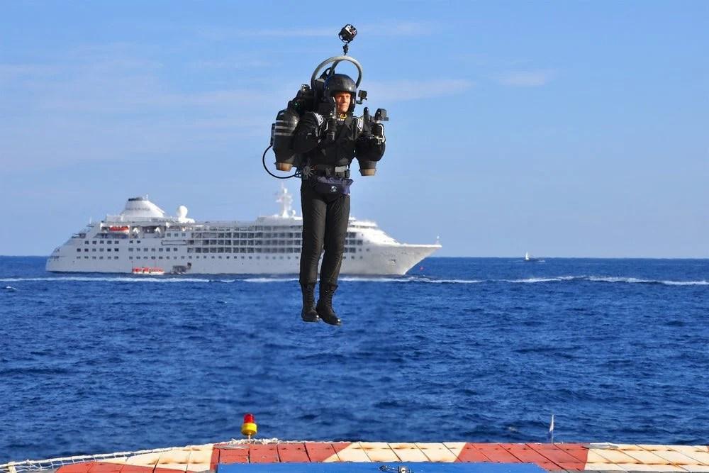 【型男科技】噴射推進器JB-10帶你隻身衝上雲霄 | MENELECT