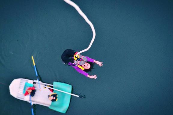 bungee jumping-2