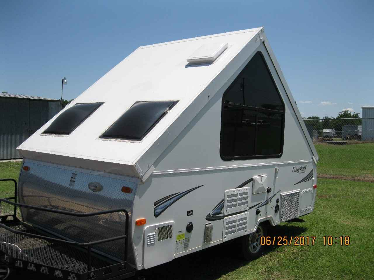 2013 Used Forest River FLAGSTAFF CLASSIC T12BH Pop Up