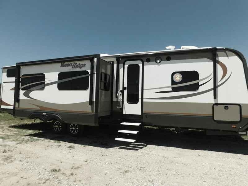 2017 New Highland Ridge Rv Mesa Ridge Travel Trailers MR328BHS Travel Trailer in Texas TX