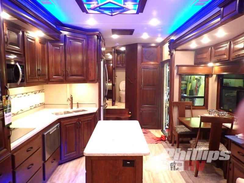 2018 New DRV LUXURY SUITES Elite Suites 40 KSSB4 Fifth