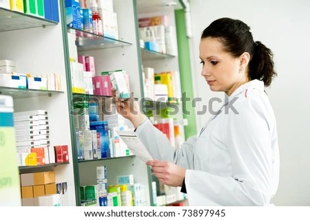 https://i0.wp.com/image.shutterstock.com/display_pic_with_logo/390130/390130,1301060340,4/stock-photo-pharmacist-chemist-woman-working-in-pharmacy-drugstore-73897945.jpg