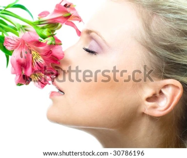 Beautiful Nacked Girl With Flowers