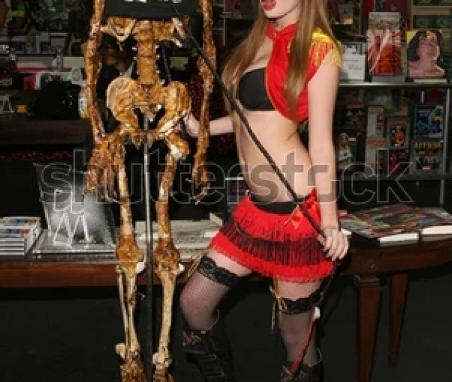 Faye Reagan At The Girls And Corpses Halloween Party And Autograph Signing Meltdown