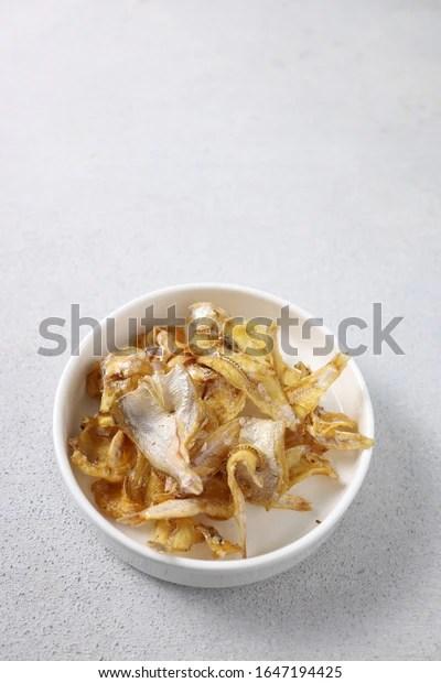 Masarap Fried Dried Jeprox Fish - (Ikan Asin Goreng)