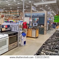 Kitchen Appliance Store Install Island Lowes Home Improvement Retail Stock Photo Edit Now Appliances Peabody Massachusetts Usa May 5