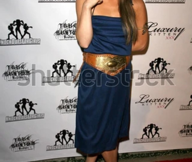 Mia Presley At Knock Outs For Girls Boulevard 3 Hollywood Ca
