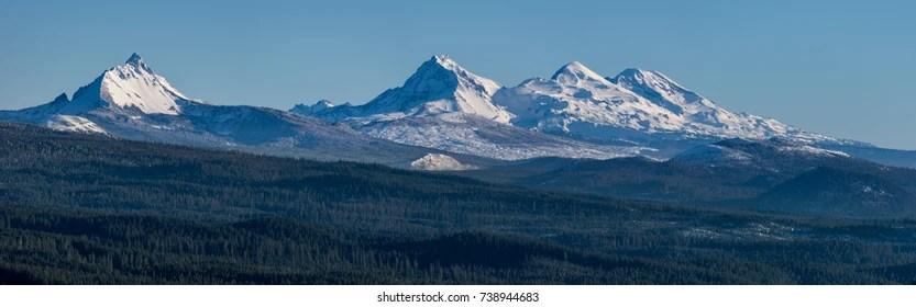 Die cascade range oder cascades ist eine bedeutende gebirgskette im westen nordamerikas , die sich vom südlichen british columbia über washington und oregon. Cascade Range Images Stock Photos Vectors Shutterstock