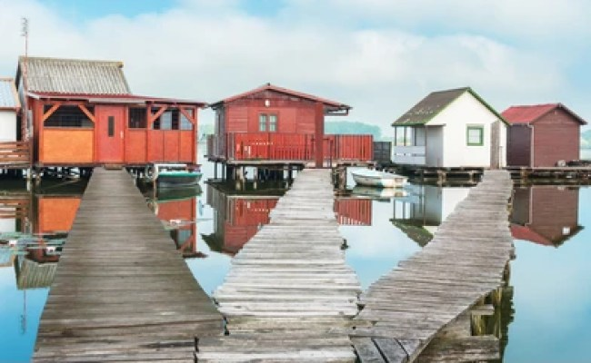 Lake Cabin Images Stock Photos Vectors Shutterstock