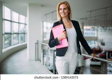 saleswoman images stock photos