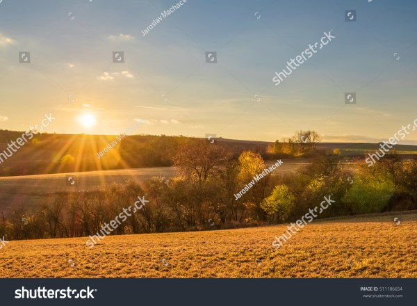 Amazing Sunset Colorful Autumnal Landscape Pastures Stockfoto 511186654 - Shutterstock