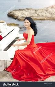 beautiful slim bride in red wedding