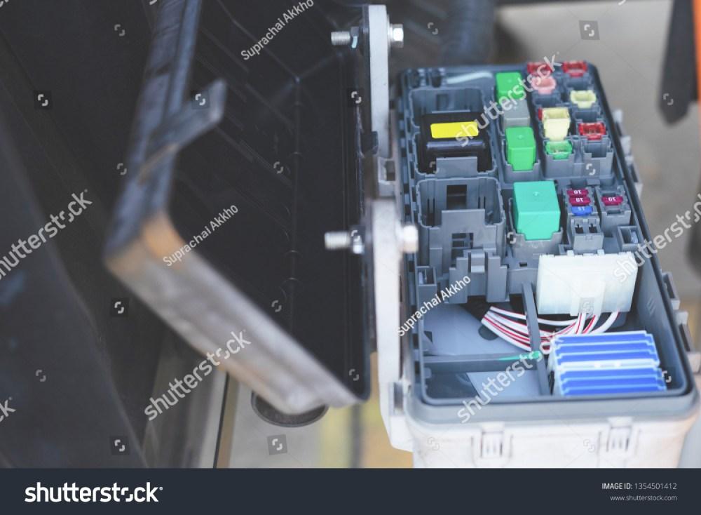 medium resolution of car fuse box