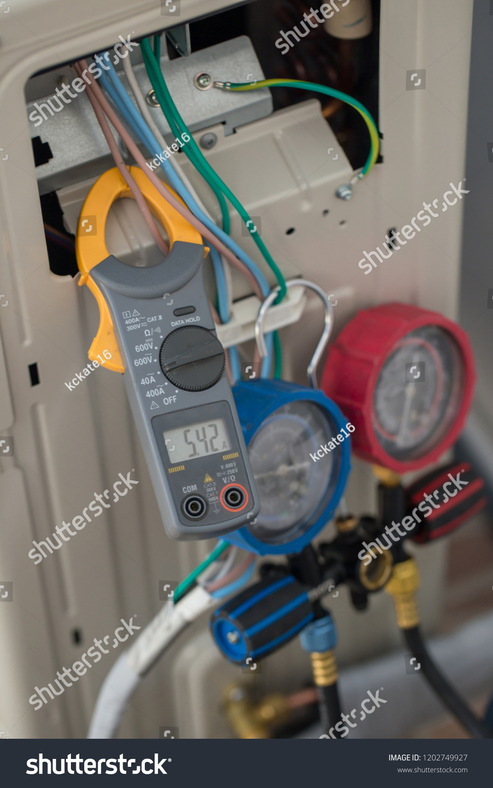 hight resolution of clamp amp meter electrician use clamp amp meter for check or measureing the current of
