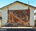 Hakuun Homemade Wooden Garage Door Liittyva Arkistovalokuva Muokkaa Nyt 1240962724