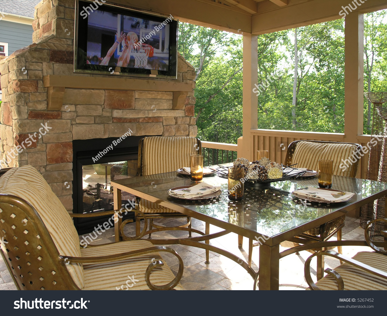 Luxury House With Regal Elegant Covered Outdoor Patio Stock Photo 5267452 : Shutterstock