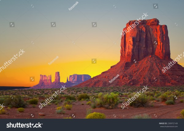 monument valley usa colorful sunrise