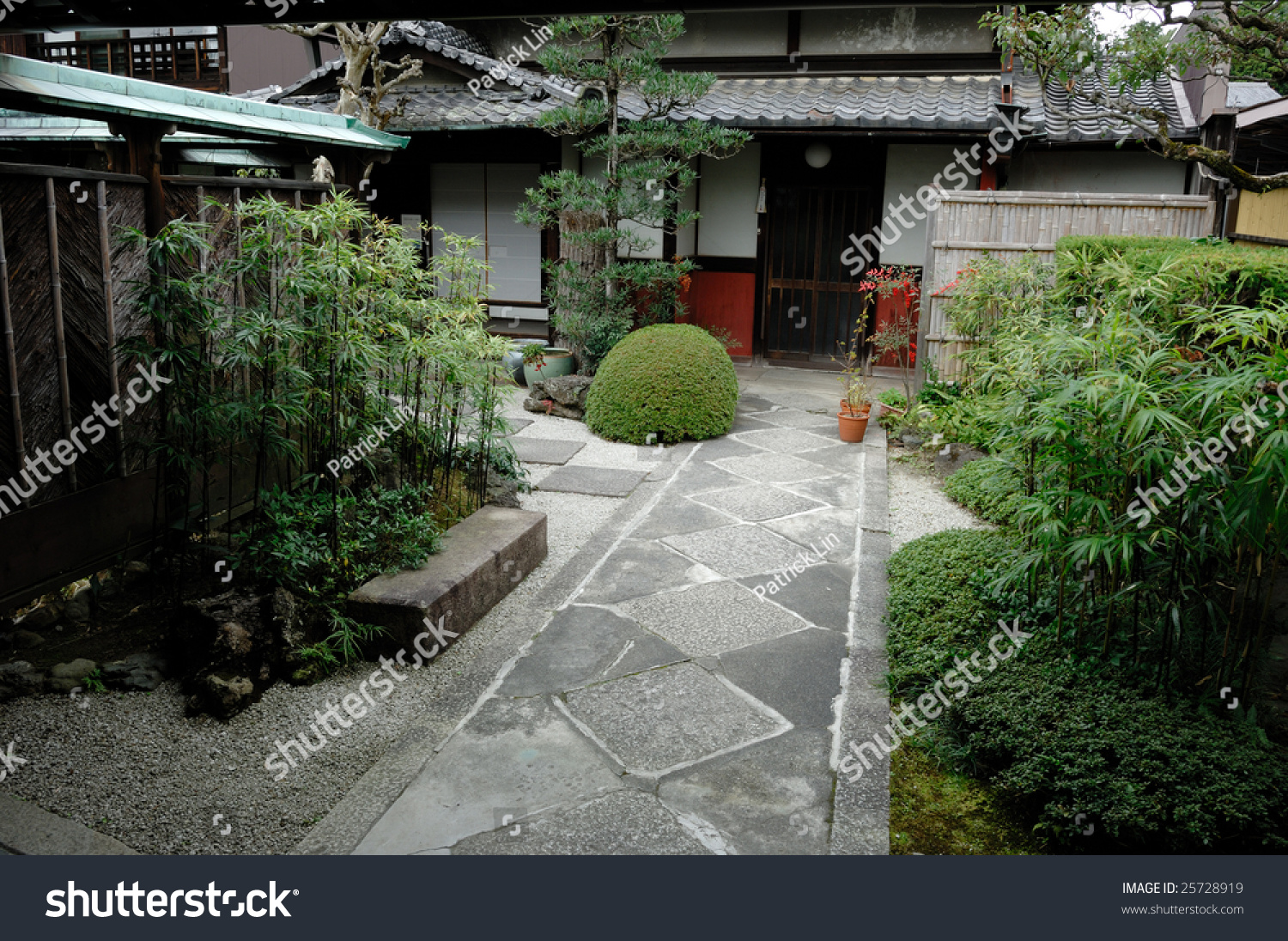 Traditional Japanese Zen Garden House Stock 25728919
