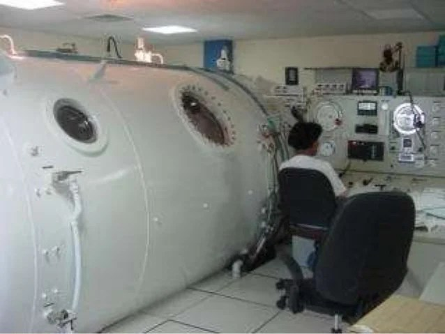 Oxygenothrapie hyperbare au salon de la plonge sousmarine 2014